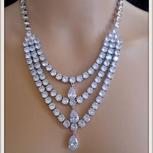 Women Teardrop Luxury White Zircon necklace pendan
